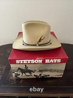 Vtg Stetson Dillon Cowboy Hat 7 1/2 Chamois 5X Beaver With Feathers Withbox